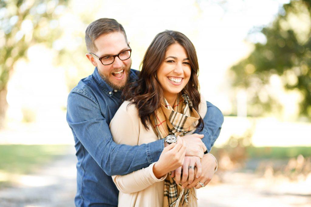 Paariteraapiast saavad abi kõik kelle omavahelised suhted on keerulised, rasked, konfliktsed ja vähe rõõmu pakkuvad.